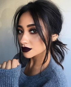 Make-up: dark lipstick shay mitchell celebrity face makeup fake eyelashes . - Make Up Beauty Make-up, Beauty Hacks, Hair Beauty, Beauty Tips, Beauty Products, Beauty Essentials, Makeup Products, Beauty Photos, Beauty Secrets