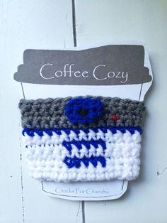 crochet cozy - crochet mug cozy Crochet Coffee Cozy, Crochet Cozy, Crochet Fall, Quick Crochet, Love Crochet, Star Wars Crochet, Crochet Stars, Plush Pattern, Crochet Stitches Patterns
