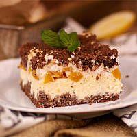 Sernik brzoskwiniowy z kakaową kruszonką i słodką pianką