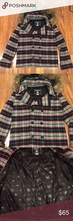 Victoria's Secret Pink Peacoat Size Large Super cute Victoria's Secret pink Peacoat size large! Has fur hood that is removable! Super cute lining! In great preloved condition! Check out my closet too! PINK Victoria's Secret Jackets & Coats Pea Coats