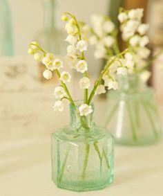 Klein vaasje, klein bloempje