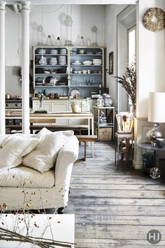 Pretty Adorable And Stylish Italian Apartment Rustic FloorsLiving Room