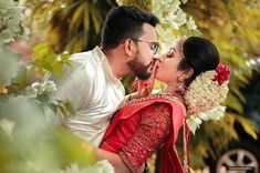 Image may contain: one or more people, flower, wedding and outdoor Pre Wedding Poses, Pre Wedding Photoshoot, Wedding Shoot, Wedding Couples, Wedding Ideas, Bridal Hairstyle Indian Wedding, Indian Wedding Bride, Indian Wedding Couple Photography, Couple Photography Poses