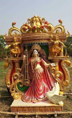 Saraswati Puja Pandal, Saraswati Murti, Saraswati Photo, Maa Durga Photo, Durga Ji, Saraswati Goddess, Shiva Shakti, Goddess Art, Shri Ganesh Images