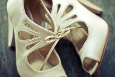 cute vintage shoes! the-wedding-planner