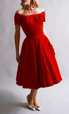 velvet 50's dress {Wow-must have! Off the shoulder look is a killer!}