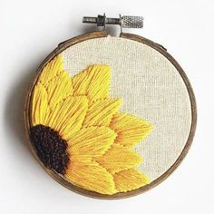 Wonderful Ribbon Embroidery Flowers by Hand Ideas. Enchanting Ribbon Embroidery Flowers by Hand Ideas. Floral Embroidery Patterns, Learn Embroidery, Hand Embroidery Stitches, Embroidery Hoop Art, Hand Embroidery Designs, Ribbon Embroidery, Cross Stitch Embroidery, Embroidery Digitizing, Hand Stitching