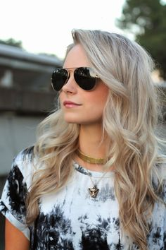 tie dye and ray bans - www.andrea-clare.blogpsot.com