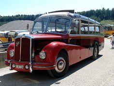 Saurer made in Switzerland. Saurer-Meeting in Niederbipp Schweiz / Switzerland . Bus Camper, Campers, Classic Trucks, Classic Cars, Train Truck, Bus Coach, Old Tractors, Volvo Trucks, Bus Conversion
