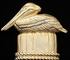 JJ VACTION TRAVEL FLORIDA CARIBBEAN ISLAND SITTING DOCK PELICAN BIRD PIN BROOCH…