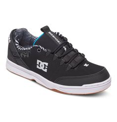 a5a4bdba87f41 The squares and stripes pattern looks interesting on the collar of the  shoe. I like