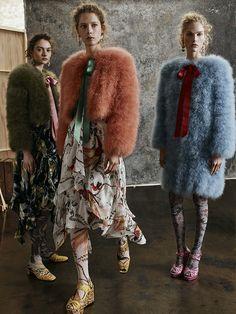 Fashion Week London Pre-Fall 2017 look 3 from the Erdem collection womenswear Fashion Week, Fashion 2017, Runway Fashion, Fashion Show, Fashion Design, Fashion Trends, Fashion Stores, Style Fashion, High Fashion