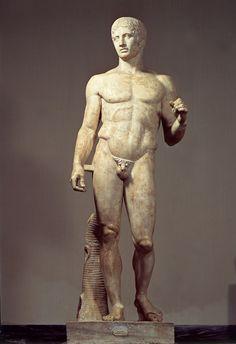 ***Doríforo (h.450-440 a.C.) Nápoles, Museo Nacional. Escultura clásica de Policleto de Argos.