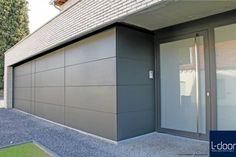 Rockpanel-gevelbekleding is vervaardigd uit onder hoge druk samengeperste, hoogwaardige steenvezels Interior Cladding, House Cladding, House Siding, House Doors, Facade House, Garage Doors, Modern Garage, Modern Exterior, Exterior Design