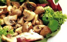 ¡No te pierdas esta exquisita #Receta de ensalada de champiñones y lechuga baja en calorías!