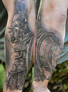 What does gladiator tattoo mean? We have gladiator tattoo ideas, designs, symbolism and we explain the meaning behind the tattoo. Schulterpanzer Tattoo, Tattoos Masculinas, Body Art Tattoos, Tattoos For Guys, Sleeve Tattoos, Cool Tattoos, Gladiator Tattoo, Warrior Tattoos, Viking Tattoos