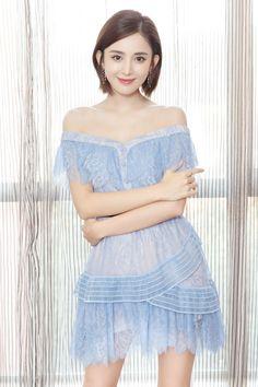 Guli Nazha/ Beautiful Chinese Girl, Pretty Asian, Sexy Asian Girls, Girl Photography, Asian Fashion, Asian Woman, Dress To Impress, Beauty Women, Asian Beauty