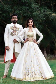 36 indian lehenga choli designs for pre wedding functions 21 Indian Wedding Gowns, Indian Gowns Dresses, Indian Bridal Lehenga, Lehenga Indien, Lehenga Choli, Sari, Lehenga White, Jacket Lehenga, Jacket Dress