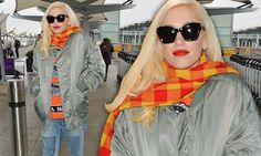 Gwen Stefani goes for casual chic as she jets to Dubai | Daily Mail Online
