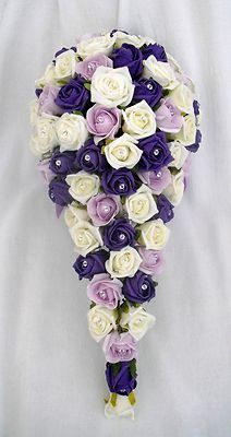 #Teardrop  #purple #bouquet ... #purple #wedding … Wedding #ideas for brides, grooms, parents & planners https://itunes.apple.com/us/app/the-gold-wedding-planner/id498112599?ls=1=8 … plus how to organise an entire wedding, within ANY budget ♥ The Gold Wedding Planner iPhone #App ♥ For more inspiration http://pinterest.com/groomsandbrides/boards/ #fuchsia #plum #indigo wedding flowers, purple bouquets