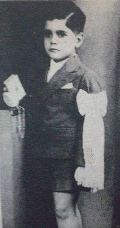 عمر الشريف طفلا