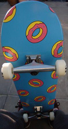 Donut skateboard// I... want.... this.... skkkaattteebbooaaarrddd