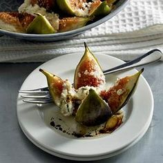 War­me vij­gen met gei­ten­kaas en ho­ning Goat Cheese Recipes, Veggie Recipes, Vegetarian Recipes, Healthy Recipes, Healthy Cooking, Healthy Snacks, Cooking Recipes, I Love Food, Good Food