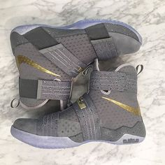 The King rocked these Zoom Soldier 10s on opening night. Tap the link in our bio to find out where to purchase them.  @br_kicks #SolelySneakers