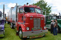 Peterbilt 350 Bull Nose with Droom box Peterbilt 379, Peterbilt Trucks, Cool Trucks, Big Trucks, Cab Over, Vintage Trucks, Classic Trucks, Semi Trucks, Diesel Engine