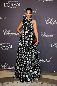 Sonam Kapoor in a Naeem Khan gown at Cannes 2012