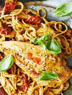 Kylling a la Toscana | Femina Easy Cooking, Cooking Recipes, Danish Food, Mexican Food Recipes, Ethnic Recipes, One Pot Pasta, Toscana, Gluten Free Recipes, Pasta Recipes