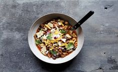 This ground beef chili recipe with black beans and chickpeas comes from Gina Homolka's cookbook SkinnyTastes: Fast and Slow Two Bean Chili Recipe, Chili Recipe With Black Beans, No Bean Chili, Slow Cooker Chili, Slow Cooker Recipes, Crockpot Recipes, Healthy Recipes, Diabetic Recipes, Healthy Food