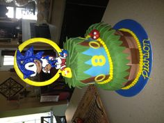 Sonic the Hedgehog cake...with a touch of Angry Birds!