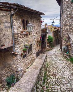 Giretti per #artena (tutta in salita!) #italy #top_lazio_photo #borghitalia #italiale #loves_landscape #italiansdoitbetter  #romeanditaly #yallerslazio #yallersitalia #loves_madeinitaly  #lazio_city #best_italiansites #ig_italia #ig_italy #visit_lazio #volgolazio #topitalyofficial #loves_united_lazio #loves_lazio_  #italiainunoscatto #top_italyofficial #top_lazio_photo #ig_lazio #ig_lazio_  #top_hdr_photo #lazio_super_pics #vivolazio #volgolazio #yallersborghi #fotografandolitalia…