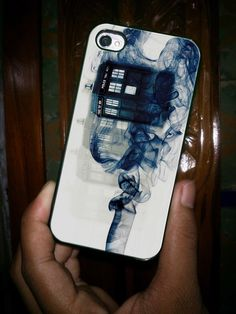 Tardis Doctor Who Smoke (ocm) - iPhone  FALLS APART - LOOKS COOL so we BOUGHT BUT NOT HAPPY with quality of the case