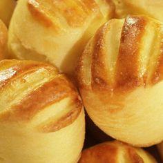 Burgonyás pogácsa Miele Főzőiskola Pretzel Bites, Rolls, Appetizers, Bread, Cookies, Anna, Crochet, Food, Bakken