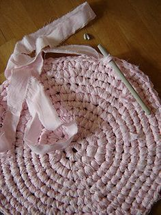 Crocheted Rag Rug   I think i might try one for the bathroom with old flannel sheets.