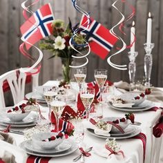 Constitution Day, May 17, Norwegian Food, Decorating Tables, Table Decorations, Aesthetic Room Decor, Scandinavian Style, Holidays And Events, Independence Day