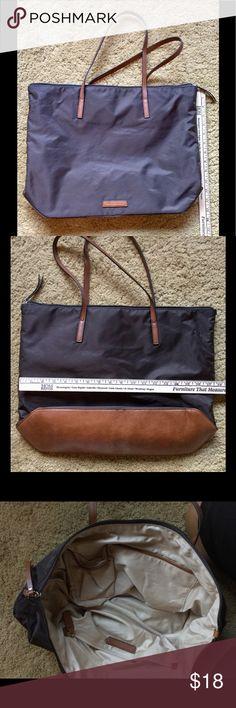 Nylon tote Like new Banana Republic brown tote. Banana Republic Bags Totes