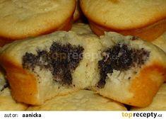 Vláčné jogurtové muffiny s náplní recept - TopRecepty.cz Spanakopita, Desert Recipes, Sushi, Cookies, Breakfast, Ethnic Recipes, Food, Crack Crackers, Morning Coffee