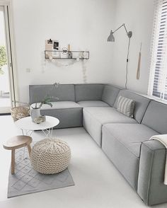 It has a nice corner, in case we want a sofa with a corner in it Home Decor Inspiration, Home Living Room, Home, House Interior, Home Deco, White Interior, Living Room Inspiration, Interior Design Living Room, Home And Living