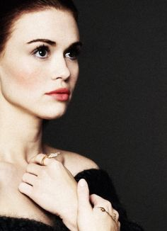 Holland Roden. Am I THE ONLY ONE WHO THINKS SHE SHOULD PLAY SCARLET?? #LunarChronicles #scarlet
