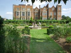 Hatfield House, Hatfield Hertfordshire, England, grounds