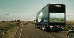 De Samsung Trucks tonen via beeldscherm de weg voorop