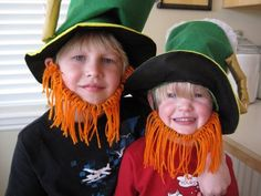How to make easy St. Patricks Day Activities like how to catch a leprechaun, pot of gold, shamrock, rainbow crafts and recipes which are all perfect for your St. Patty's Day celebration. Your kids and friends will adore these St. Leprechaun Costume, Leprechaun Hats, Leprechaun Gold, St Patrick's Day Crafts, Crafts For Kids, Children Crafts, Kids Diy, St Patrick Day Activities, St Pats