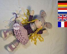 Crochet pattern for doll ALINA, pdf   (Deutsch, English, Français, Nederlands)