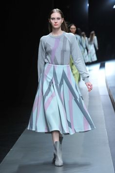 Hanae Mori Designed by Yu Amatsu - Tokyo Fall 2015 - Look 31 of 57