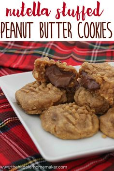 Nutella Stuffed Peanut Butter Cookies Recipe- ohmygoodness these look delicious! My new favorite dessert!