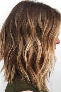 Create Wavy Hairstyle to Look Pretty picture 3