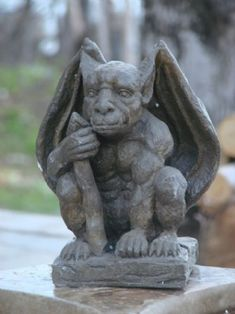 The History of Gargoyles & Grotesques (Facts, Information, Pictures Mondus Distinction – Canada& Home and Garden Decor – Joey Gargoyle Gargoyle Tattoo, Anime Nerd, Angels And Demons, Weird Art, Green Man, Stone Carving, Mythical Creatures, Concept Art, History